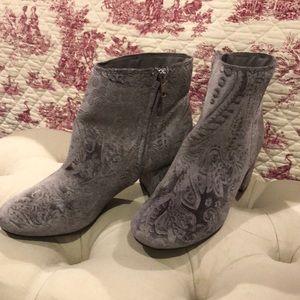 Gray Size 10 women's booties